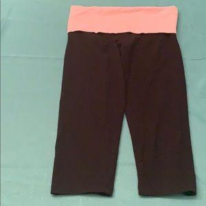 Women's size xtra small VS Pink yoga capris!